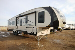 WOW!!!  SAVE $10,800 ON BRAND NEW 3 SLIDE SABRE 330CK 5TH WHEEL