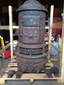 Poêle à bois antique