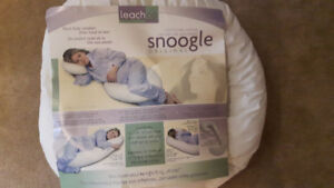 Snoogle Original Total Body Pillow by Leach co