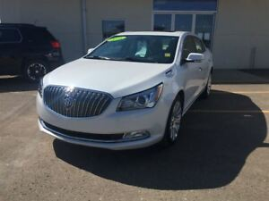 2016 Buick LaCrosse Leather**Roof/AWD/Leather/remote start and m
