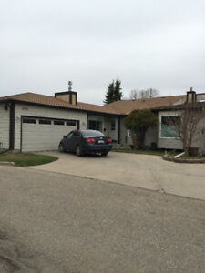 SOUTH ALBERT PARK EXECUTIVE BUNGALOW CONDO FOR RENT 1425 SQ FT