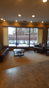 1 bdr in downtown all included for $1050 imediately or Aug 1st