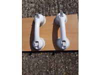 2 Suction Grab Handles (white)