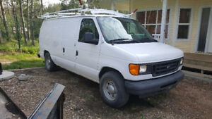 2004 Ford E-150 Cargo Van only 72,500 kms!!!