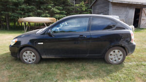REDUCED - 2011 Hyundai Accent Coupe (2 door)