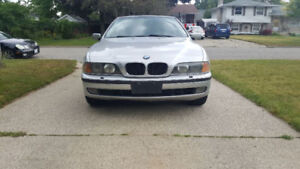 2000 BMW 528i with Pre-Safety
