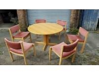 Great round dining table with 6 chairs.good used condition.can deliver
