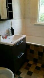 EXTRA LARGE DOUBLE ROOM IN EASTHAM WITH ATTACHED BATH