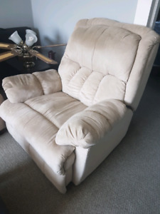 Recliner chair $100