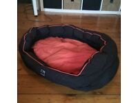Medium Three Peaks dog bed/red/cheap!
