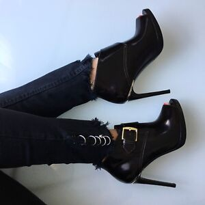 Burberry black ankle booties size 36