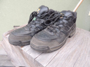 Steel-toed Work Shoes