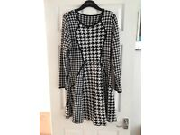 Lovely black and white dress - size M/L