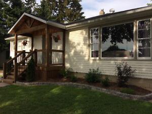 Solid family home in Leamington $170000(O.B.O)