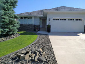 Executive Bungalow - OPEN HOUSE THIS SUNDAY-August 20th 2-4pm