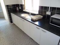 5 Bedroom Professional House Share Now Available