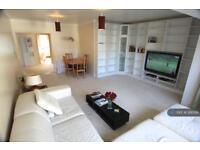 2 bedroom flat in Hartfield Crescent, London, SW19 (2 bed)