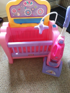 Little tykes crib vacumn with dustbuster girls pretend playhouse