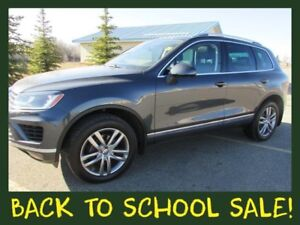 2016 VW Touareg 3.6L Highline **LEATHER-NAV-SUNROOF**