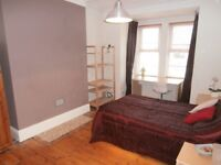 Lovely Large Double in 4-Bed Professional Houseshare Including Cleaner - No Deposit