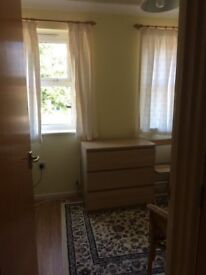 Light, single room in communical house in the Greater Leys area