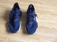 Men's Navy Adidas Boost Trainers