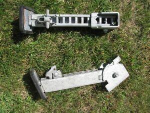 Utility trailer stabilizer jacks
