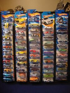 Hotwheels - 60 cars with Frame