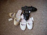Small Shoe Bundle new unworn size 6