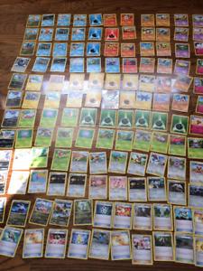 121 cartes Pokemon+ une carte ultra rare