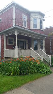 Just Renovated 3BR Corner Robie and Spring Garden