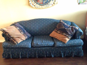 Pull-Out Couch with Pillows