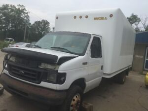 2005 FORD E350 CUBE VAN FOR PARTS ONLY!