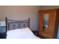 2 double bedrooms in 3 bed flat