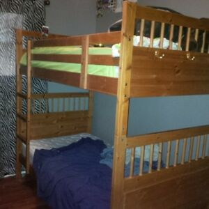 Solid wood bunkbeds/2 twin beds
