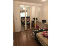 F- DOUBLE ROOM WITH OWN BATHROOM: GLANDFORD WAY CHADWELL HEATH RM6 4UG ALL BILLS INCLUDE