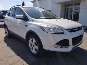 2015 Ford Escape SE Back Up Camera, Bluetooth, Keyless Entry,...