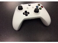 Xbox Controller in White *Mint Condition*