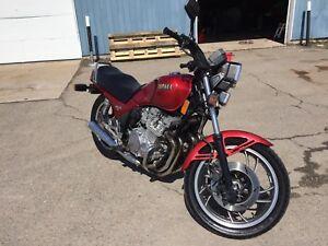 Yamaha Seca 750