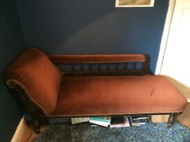 Beautiful vintage chaise longue - quick sale wanted