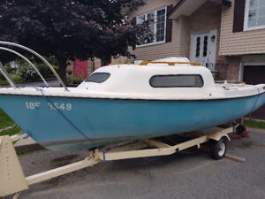 Good condition small sailboat