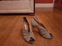 Silver/grey heeled evening sandles
