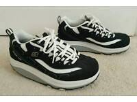 SKECHERS SHAPE-UPS TONING TRAINERS SIZE 5.5, FITS 5