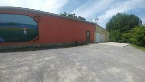 1500sq.ft. of commercial space for rent $1200/m + utilities