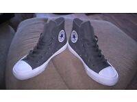 ladies Converse trainers/boots