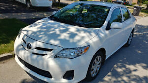 2012 Toyota Corolla 44000 km one owner$10990 loaded 416-858-7673