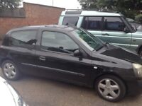 Renault Clio for spares and repairs.