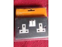 Chrome socket outlet