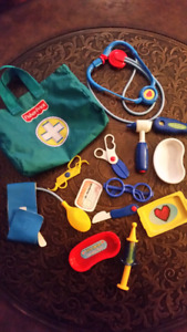 ADORABLE FISHER PRICE DOCTORS KIT $10