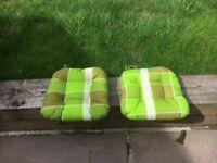 Set cushions